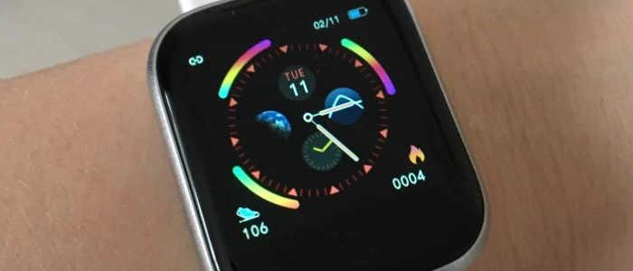 smartwatch i5 no braço
